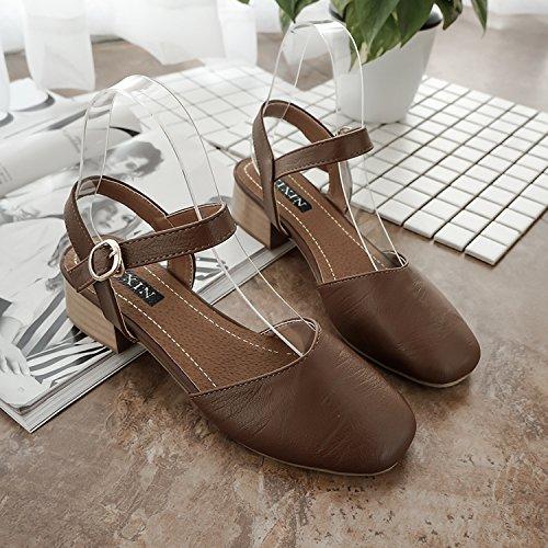 Les Sandales Avec Un Mot Buckle, À Fond Plat Pieds Larges, Large Talon, Chaussures, Baotou, Rome Brown