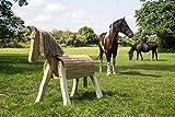 Voltigierpferd | Holzpferd für Kindergärten und Zuhause | Outdoor Spielpferd | zum Pflegen Reiten und Voltigieren | Spielen ausdrücklich erwünscht | Spielzeug für Draussen | mit fester Mähne und Schweif | geschwungene Beine | Massivholz-Konstruktion | für realistische Spielerlebnisse |