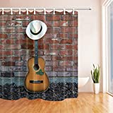 GzHQ Western Cowboy Music Gitarre Badvorhang, Panamahut auf Gitarre, lehnt Sich an Ziegelwand, Polyester, wasserdicht, Duschvorhang für Badezimmer, 180,9 x 182,9 cm, inkl. Haken