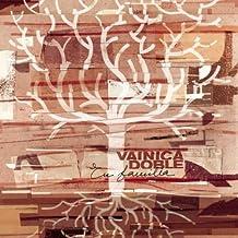En Familia by Vainica Doble