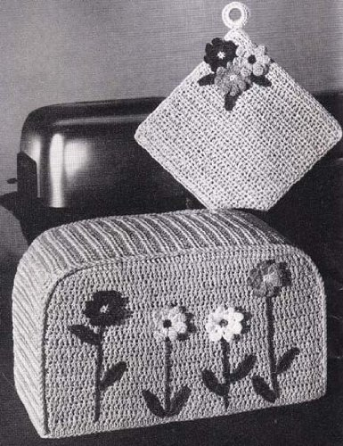 Toaster Cover & Pot Holder Crochet Pattern Dinette Dress-Ups (English Edition)