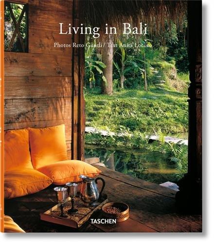 VA-25 LIVING IN BALI par Anita Lococo