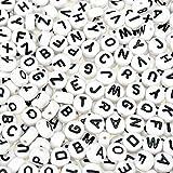 TOAOB 600 Stück Buchstabenperlen Weiß Acryl Perlen mit Schwarze Buchstaben A-Z Rund Perlen Abmessung 7mm Dick 4mm Löchern 1mm für Armbänder Auffädeln Halsketten Schlüsselanhänger und Kinderschmuck
