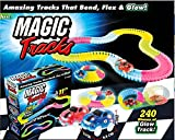 Magic Track Race Track 240 Stück + 2 Karat Dark Racer Bend Flex Rolle Glow mit Truck und Car Set (Blau, 240+2Cars)