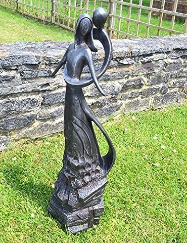 Large Contemporary Sculptures - Embracing Lovers Modern Garden Statue