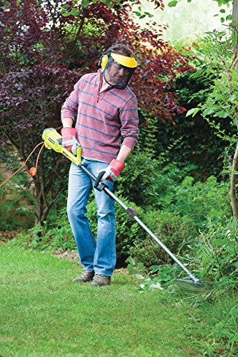 Whether its power, functionality, efficiency and ease of use, the Ryobi 1200w RBC1226I Electric 2-in-1 Brush Cutter offers all of that. The first obvious thing about this tool is that it is an electric brush cutter, meaning it is lighter than a petrol model because it lacks a fuel tank. Another benefit is that you will never have to worry about mixing fuel for a 2-stroke petrol engine or think of refilling a tank when there is so much to do. The only thing you may need is an extension cord to help you work farther from a mains socket.