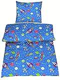 Aminata Kids - Kinderbettwäsche Bettwäsche Kinder 135x200 cm Baumwolle Jungen Weltraum Blau Rot Grün Weltall Sterne Sternen Planeten Mond Rakete Astronaut ★ VERBESSERTE QUALITÄT