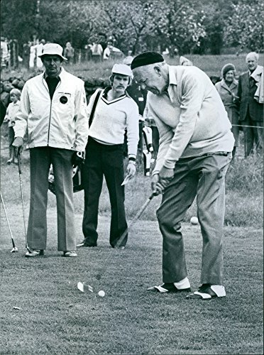vintage-photo-of-tobo-golf-course-is-visited-by-prince-bertil