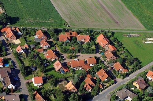 MF Matthias Friedel - Luftbildfotografie Luftbild von Am Obstgarten in Burgwedel (Hannover), aufgenommen am 18.08.05 um 17:18 Uhr, Bildnummer: 3352-10, Auflösung: 4288x2848px = 12MP - Fotoabzug 50x75cm