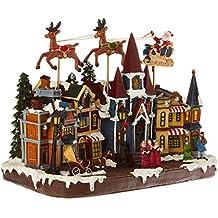 HOME VILLAGE 5MAI495MC Grand Village Père Noel Volant Animé/Musical avec 17 Ampoules LED Résine/Poly résine Multicolore