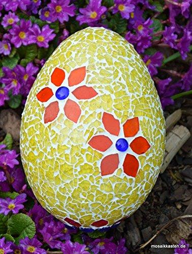 Handemachtes Osterei gelb mit Blüten 15 cm hoch