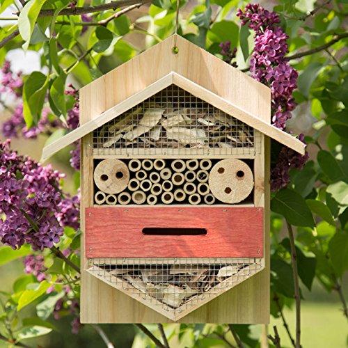Insektenhaus mit sechs Ecken