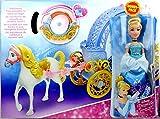 Cinderellas verwandelbare Kutsche mit Puppe