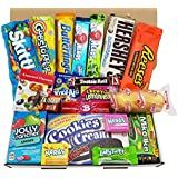 Cesta con American Candy | Caja de caramelos y Chucherias Americanas | Surtido de 20 artículos incluido Hersheys Reeses Jelly Belly Skittles |  Golosinas para Navidad Reyes o para regalo