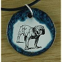 Echtes Kunsthandwerk: Niedlicher Keramik Anhänger mit einer Bulldogge; Kampfhund, Kampfschmuser, Listenhund, Hund, Canis lupus familiaris, Vierbeiner, bester Freund des Menschen, Fellnase