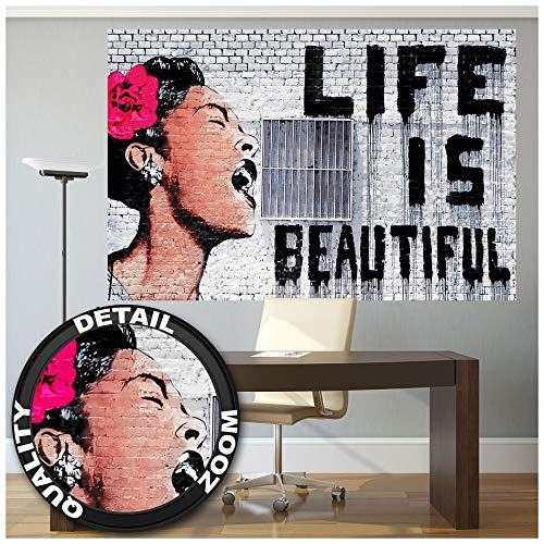 Great Art XXL Poster - Banksy Graffiti Künstler - Wandbild Life is Beautiful Pop Art Street Style Street Art Stencil Straßenkünstler Fotoposter Wanddeko Bild Wandgestaltung (140 x 100 cm)
