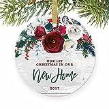 Weihnachten Ornament Crafts New Home Modern First Christmas in unserem New House Geschenk für Hauseigentümer 1. Geschenk Weihnachten Weihnachtsbaumschmuck Jahrestag Geschenk