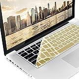kwmobile Robuster, hauchdünner Tastaturschutz QWERTY (US) aus Silikon für Apple MacBook Air 13''/ Pro Retina 13''/ 15'' (bis Mitte 2016) in Gold - effektiver Schutz vor Verschmutzung und Abnutzung