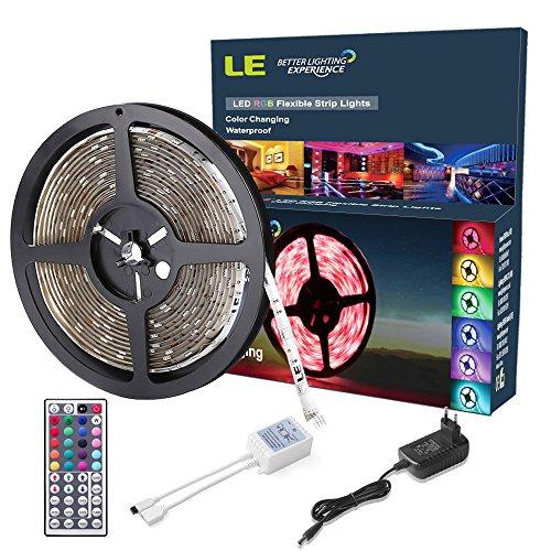LE 5M 150 LEDs Ruban Lumineux RGB, Bande Lumineuse 5050 SMD Flexible, 20 Couleurs Variées, Imperméable IP65, Télécommande + Transformateur inclus Décoration Pour la fête Noël/ Sapin