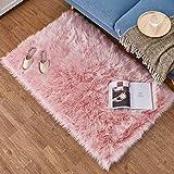 Daoxu tappeto in pelliccia ecologica di pecora, elemento decorativo a pelo lungo in simil lana, da posizionare ai piedi del divano, del letto o della poltrona, Lana, Pink, 75 x 120 cm