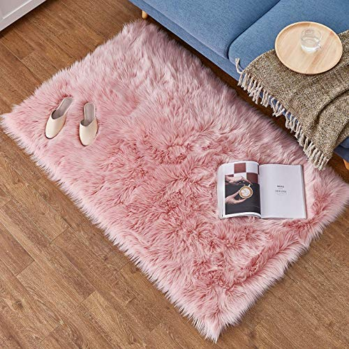 Daoxu tappeto in pelliccia ecologica di pecora, elemento decorativo a pelo lungo in simil lana, da posizionare ai piedi del divano, del letto o della poltrona, lana, pink, 60 x 90 cm