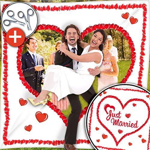 Hochzeitsherz Ausschneiden Set - Stofflaken Herzmotiv & Schlaufen zum Straffhalten INKL. 2 Nagelscheren + Glückwunschkarte - PORTOFREI - Hochzeitsspiele und Hochzeitsbräuche - Braut & Bräutigam schneiden das Herz aus und schreiten in die gemeinsame Zukunft