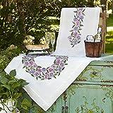 Kamaca Stickpackung Tischdecke STIEFMÜTTERCHEN Kreuzstich vorgezeichnet aus Baumwolle Stickset mit Stickvorlage (Mitteldecke 80x80 cm)
