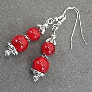 Thurcolas Ohrringe in rekonstruierten roten türkisfarbenen Perlen und perlenkappen in antikem silber