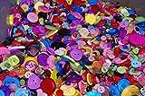 Geformte Knöpfe, verschiedene Größen und Farben verschiedener geformte Knöpfe zum Nähen und Basteln, Verschiedene