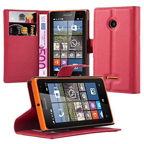Cadorabo Hülle für Nokia Lumia 532 Hülle in Karmin Rot Handyhülle mit Kartenfach und Standfunktion Case Cover Schutzhülle Etui Tasche Book Klapp Style Karmin-Rot