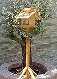 vogelhaus mit ständer, BTV-X-VOVIL4-MS-hbraun002 Robustes, stabiles PREMIUM Vogelhaus KOMPLETT mit Ständer wetterfest lasiert, FUTTERHAUS für Vögel, WINTERFEST - MIT FUTTERSCHACHT Futtervorrat, Vogelfutter-Station Farbe braun hellbraun behandelt / lasiert braun/orange/natur, MIT TIEFEM WETTERSCHUTZ-DACH für trockenes Futter, Schreinerarbeit aus Vollholz