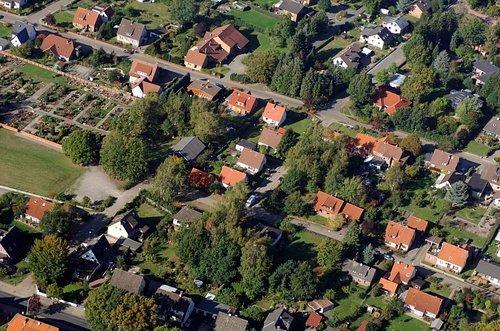 MF Matthias Friedel - Luftbildfotografie Luftbild von Fliederweg in Ahlden (Soltau-Fallingbostel), aufgenommen am 17.10.06 um 13:03 Uhr, Bildnummer: 4269-08, Auflösung: 4288x2848px = 12MP - Fotoabzug 50x75cm