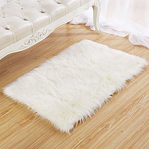 Faux Lammfell Schaffell Teppich 50 x 150 cm Lammfellimitat Flauschigen Teppiche ,Gemütliches Schaffell Bettvorleger Sofa Matte (Weiß)
