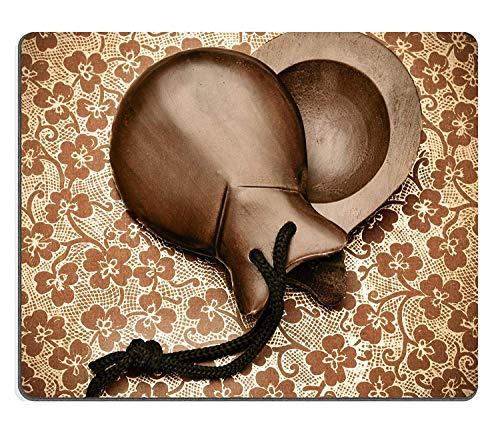 Mauspad aus Naturkautschuk, 2 Stück, Spanische Kastagnetten, arrangiert wie EIN Herz auf gemustertem Hintergrund, 22,6 x 18,8 cm