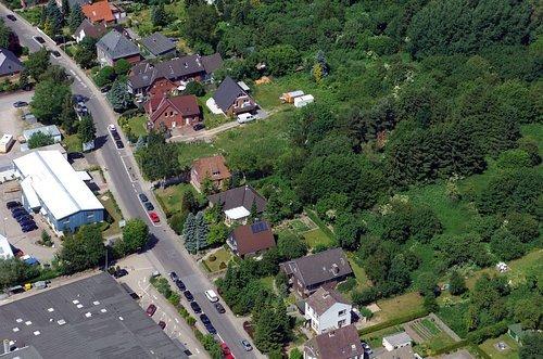 MF Matthias Friedel - Luftbildfotografie Luftbild von Barkauer Straße in Moorsee (Kiel), aufgenommen am 19.08.05 um 14:31 Uhr, Bildnummer: 3515-08, Auflösung: 4288x2848px = 12MP - Fotoabzug 50x75cm