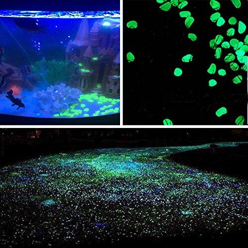 Dekorative Steine Glühen in den dunklen Kiesel Leuchtende Pflastersteine für Aquarium Fisch Tank Kies Dekorationen Gehweg Wege und Gartendekoration (Grün 100 Stueck) (Grün Aquarium Dekoration)