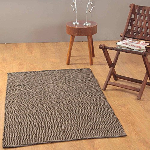Homescapes Modern Medium Jute Rug Black and Natural Diamond Geometric Ajtec Design 90cm x 150cm (3ft x 5ft) Heavy Duty Suitable for Halls, Living Rooms or Conservatories