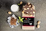 Chocolate con leche, almendras, stevia y cacao ecológico. Sin azúcar. Apto para diabéticos. Sin...