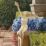 Design Toscano Jungfrau des Friedens, Sitzende Frauenfigur