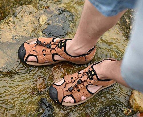 Pompa Uomini Punto chiuso Sport sandali Cavo Colore puro velcro coulisse Lacci delle scarpe Antiscivolo Piatto Sandali da spiaggia Scarpe casual sneaker Dimensioni Eu 38-46 light brown