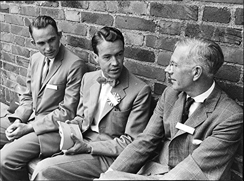 vintage-photo-of-three-atomic-scientists-from-the-united-states-stockholm-and-england-during-the-wor