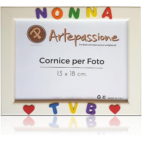 Cornici per foto in legno con la scritta Nonna TVB e decorata con cuoricini, da appoggiare o appendere, misura 13x18 cm Bianca. Ideale per regalo e ricordo.