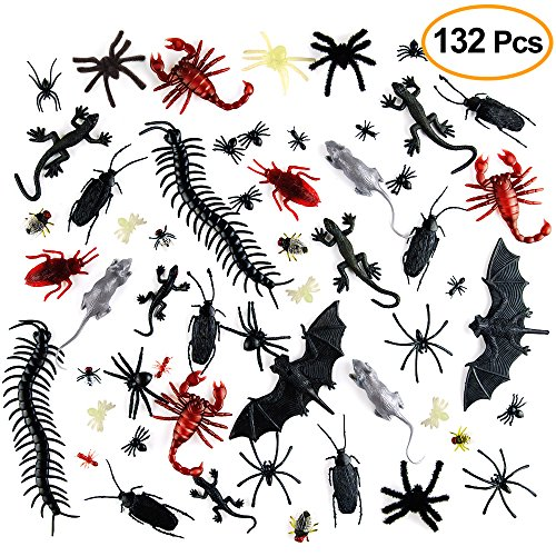 Kuuqa Plastik Realistisch Bugs Streich Neuheit Insekten Bugs Fake Roaches Spinnen Scorpions Ratten Geckoes Hundertfüßer Fliegen Fledermäuse für Halloween Party Gefälligkeiten Creepy Dekorationen Supplies 132 Stück (Beängstigend Diy Halloween Requisiten)
