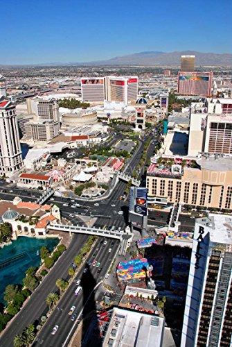 Foto ein 30,5x 45,7cm Hochwertiger Fotodruck von Las Vegas den Streifen Stadtbild Skyline aus der Eiffelturm im Paris Hotel und Casino Nevada USA Portrait Foto Farbe Bild Fine Art Print. Fotografie von Andy Evans Fotos -