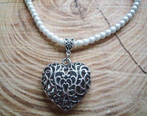 Perlenkette mit Herzanhänger in antik-silberfarben