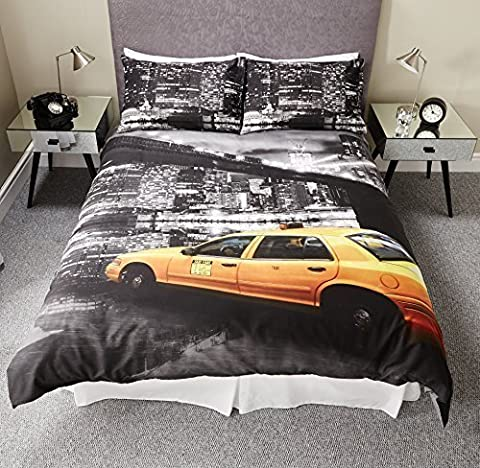 NEW YORK CITY MONTAGE SKYLINE TAXI CAB BLACK & WHITE DUVET SET QUILT COVER BEDDING (Double) by Pieridae