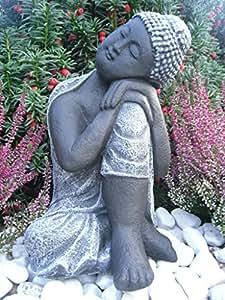 Steinfigur buddha gartenfigur steinguss basaltgrau for Steinfigur buddha garten