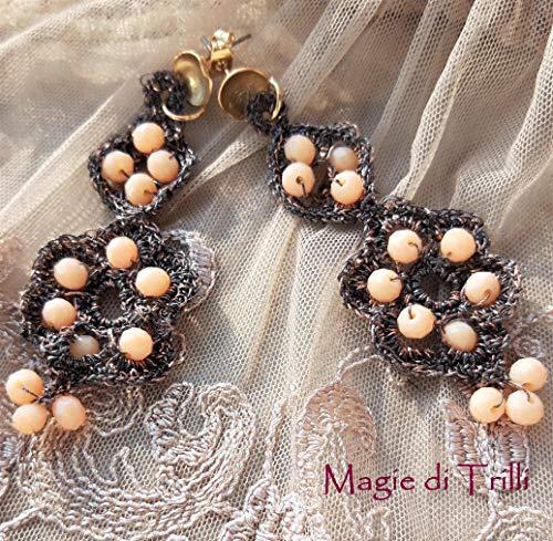 Magie di Trilli: Orecchini artigianali a perno dorato, in filo luminoso oro marrone rosa con cristalli - Idea regalo compleanno - Festa della Mamma