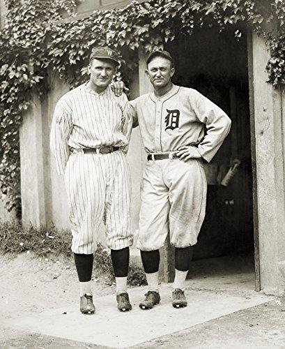 Walter Johnson Baseball (The Poster Corp Walter Johnson (1887-1946). /Namerican Baseball Player. Walter Johnson (Left) and Ty Cobb. Kunstdruck (45,72 x 60,96 cm))