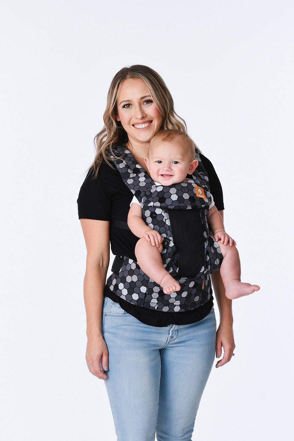 Tula Explore Baby Carrier Coast Buzz Tula Multiple porting positions, including front out. Baby carrier with an innovative main panel with an easy to adjust design in three width settings so that it can be used from 3.2 to 20.4 kg without the need for a baby cushion. The explore baby carrier has padded and adjustable neck support that can be used in multiple positions to provide head and neck support for newborn or sleeping babies 2